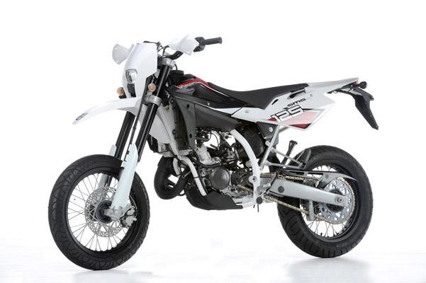 kawasaki supermoto 125ccm motorrad bild idee. Black Bedroom Furniture Sets. Home Design Ideas